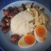 Photo taken at โรงอาหาร อาคารองค์การนักศึกษา (อมช.) by Chitpol P. on 5/2/2013