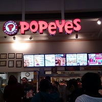 Photo taken at Popeye's Chicken & Biscuits by Takato S. on 12/26/2013