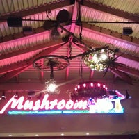 Photo taken at Mellow Mushroom by Craig F. on 5/18/2013