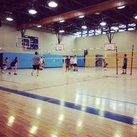 Das Foto wurde bei Brandeis High School von Cindy T. am 2/2/2014 aufgenommen