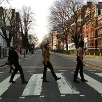 Photo taken at Abbey Road Studios by Marisol on 4/8/2013
