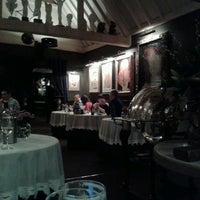 Photo taken at The Carnarvon Arms by Maui C. on 3/29/2013