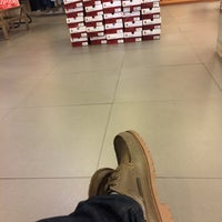 Photo taken at Hush Puppies by Dorrie Martanto on 3/19/2016
