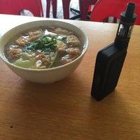Photo taken at Kedai Kopi Soon Hin Leong by Peter Jr J. on 9/7/2015