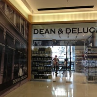 Photo taken at Dean & DeLuca by patralak on 10/26/2012