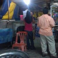 Photo taken at nasi lemak kak nor by Muhd R. on 10/4/2012