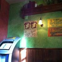Photo taken at O'connors by Iñigo A. on 10/25/2012