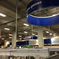 Photo taken at Best Buy by Felipe I. on 2/18/2013