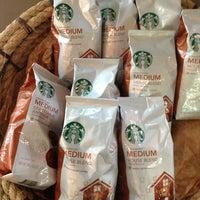 Photo taken at Starbucks by Maríjo B. on 3/3/2013
