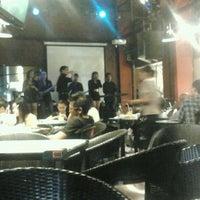Photo taken at D'Lounge Cafe & Resto by ALen D. on 11/14/2012