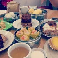 Photo taken at Maxim Dim Sum Restaurant by 🎀ẘ℮ηηẘ℮ηη🎀 on 6/16/2013