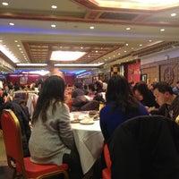 Photo taken at Jing Fong Restaurant 金豐大酒樓 by John T. on 12/19/2012