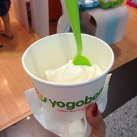 Photo taken at Yogoberry Original by Janaina S. on 1/19/2013