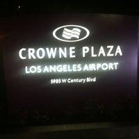 Photo taken at Crowne Plaza Los Angeles International Airport by Araken D. on 11/19/2012