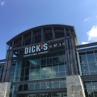 Photo taken at DICK'S Sporting Goods by Tony ™. on 5/28/2016