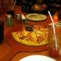 Photo taken at Pizza Hut by Enrique Daniel M. on 5/22/2013