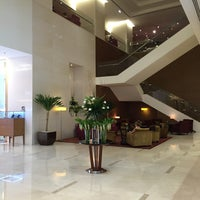 Photo taken at Sukhumvit Park, Bangkok - Marriott Executive Apartments by Aik S. on 7/12/2016