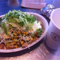 Photo taken at Chipotle Mexican Grill by Edgar C. on 8/10/2014