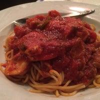 Photo taken at Angelo's Italian Restaurant by Eddie G. on 10/13/2014