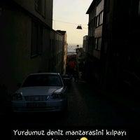 Photo taken at Çemberlitaş Kız Öğrenci Yurdu by Elif A. on 8/7/2016