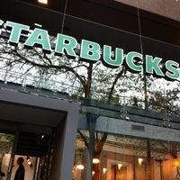 Photo taken at Starbucks by Arturo A. on 9/29/2012