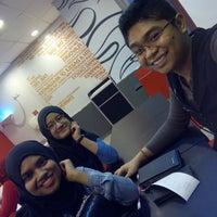 Photo taken at Pizza Hut, Bandar Baru Ampang by Dania S. on 2/26/2015