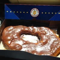 Photo taken at Round Rock Donuts by Thelma G. on 7/5/2012