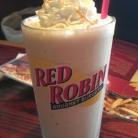 Photo taken at Red Robin Gourmet Burgers by Michael G. on 10/20/2012