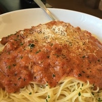 Photo taken at Olive Garden by Renee B. on 9/5/2016