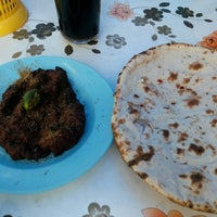 Photo taken at Pakistan restaurant (Sebelah Masjid Pakistan) by Petah Wazzan I. on 10/30/2013