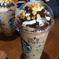 Photo taken at Starbucks by Heyqam on 8/29/2016