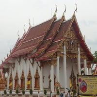 Photo taken at วัดไชยธาราราม (วัดฉลอง) Wat Chalong by Mini P. on 4/5/2013