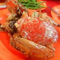 Photo taken at Siu Siu Restaurant (小小飯店) by Lui S. on 6/11/2014