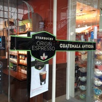 Photo taken at Starbucks by Grardie A. on 4/11/2013