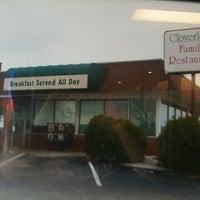 Photo taken at Cloverleaf Family Restaurant by Travis on 10/26/2013