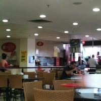 Photo taken at Restaurante Makro by Larissa S. on 2/17/2013