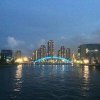 Photo taken at 隅田川テラス 日本IBM本社事業所前 by sekinem on 8/25/2014