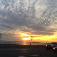 Photo taken at Hamilton Avenue Bridge by dindin on 12/4/2014