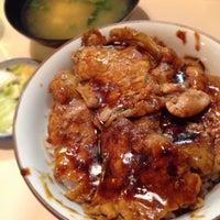 Photo taken at 豚丼 まむろ by 蒼黒のスパイダーマン on 9/18/2014