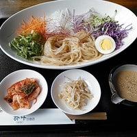 Photo taken at 韓国家庭料理 はな by Tomoharu N. on 4/19/2013