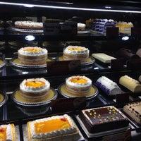 Photo taken at Red Ribbon Bake Shop by Itsmeladypearl R. on 12/30/2015