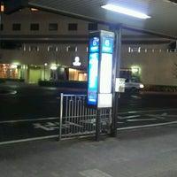 Photo taken at 京阪守口市駅 バスターミナル by ei2ei2_feather on 10/31/2016