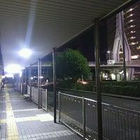 Photo taken at 京阪守口市駅 バスターミナル by ei2ei2_feather on 9/29/2016