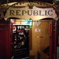Photo taken at Republic Pub by Gustavo L. on 9/29/2013