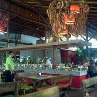 Photo taken at Restaurante Papa Capim by Rubens D. on 9/26/2012