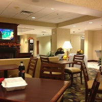 Photo taken at Hampton Inn Syracuse Clay by Nicholas D. on 10/6/2012