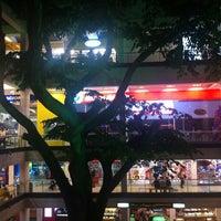Foto tomada en Centro Comercial Oviedo por Raul O. el 10/20/2012