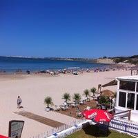 Photo taken at Playa de Fuentebravía by Julio O. on 8/9/2016