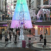 Photo taken at Toronto Marriott Downtown Eaton Centre Hotel by Dennis T. on 12/13/2012