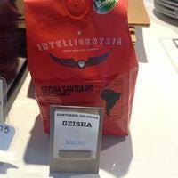 Photo taken at Intelligentsia Coffee by Jinny T. on 5/21/2013